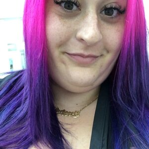 Jessica - Hollywood,Florida : Hair stylist with 9 years of in