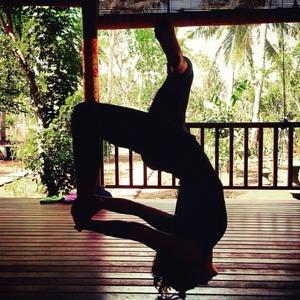 Gwendoline Montpellier Ashtanga And Vinyasa Yoga Teacher Yoga Alliance Certification Classes At Home Montpellier