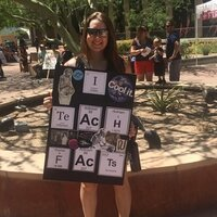 Avid science educator that gives lessons biology and chemistry to high school and college levels in Phoenix