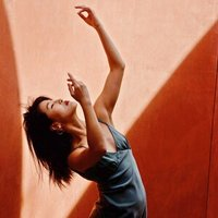 Award-winning choreographer with 15 years of teaching experience offers all level Contemporary & kpop dance lessons in San Francisco or via zoom