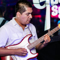 Berklee College of Music graduate offering music production & guitar lessons in Los Angeles, CA