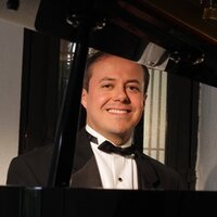Bilingual ( English - Spanish) concert pianist with 20 years of teaching experience, teaches fun and 100% practice and speed-learning piano lessons online!