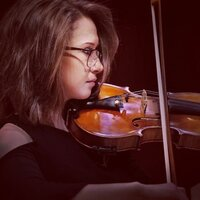 Classical violin college student is seeking to give lessons from the internet!