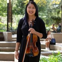 Classical violinist with 13 years of experience gives violin lessons in Cleveland