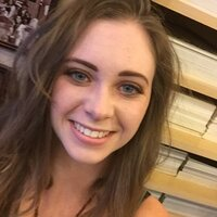 College Student in psychology and literature tutors in English in the Reno area