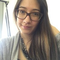 Ecuadorian girl and business student is going to help you improving your english from Paris!