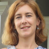 European Portuguese tutor with 25+ years of foreign language teaching experience, both in person and online.