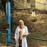 Fatimah Ahmad, studied biology with a major neuroscience, 7 years experience. I graduated from Lebanese National University and the American University of Beirut.