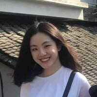 Fluent both in English and Chinese, have attended school in China for several years and speaks Chinese at home but also have taken AP English in highschool.