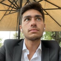 Graduating in law from the University of Florence, he offers lessons in public, private and procedural law