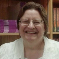Librarian and English Instructor helps with researched writing out of Western Chicagoland.