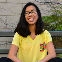 Linguistics college student gives English lessons online and in the Bay Area