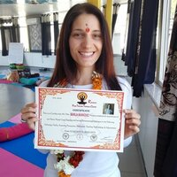 A motivated Yoga teacher with advanced training in yoga and specialization in Hatha yoga.