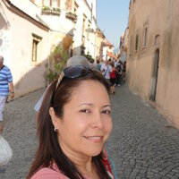 Native Spanish speaker with more than 25 years of experience in the field of teaching languages