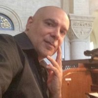 Organist, with 30 years of experience, offers courses in organ, solfeggio and piano in Rome