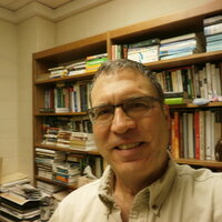 Passionate Biology professor with 28 years of teaching experience. Willing to give on-line tutoring sessions.
