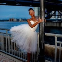 Pre-Professional Dancer 11 years of experience gives lessons at home in Florida