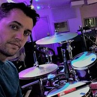 Professional drummer for over 20 years gives lessons and music theory in your home or my studio