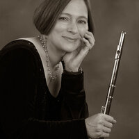 Professional flutist offering instruction from elementary to seniors. Juilliard trained. I live in Bethlehem, Pa.