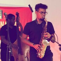 Professional saxophonist ( Jazz BFA ) teaching beginner and intermediate students NYC area