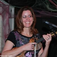 Professional violin/fiddle player with 25 years teaching experience is ready to teach you!