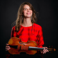 Professional Violinist with 18 years' teaching experience offers private lessons and Suzuki Program in Boston