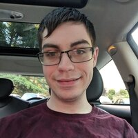 Software developer offering Linux usage lessons in Connecticut with 4 years experience