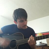 Solo Rock Artist with 10 years of experience shows you how to play guitar over webcam