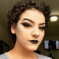 Young makeup enthusiast ready to share fun alternative looks just for you!